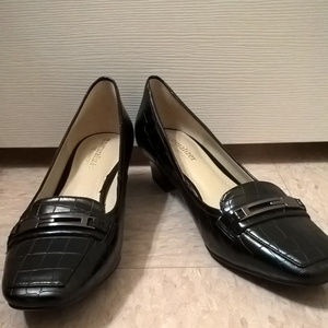 Naturalizer Flynn Black Heeled Loafer Size 7.5 M